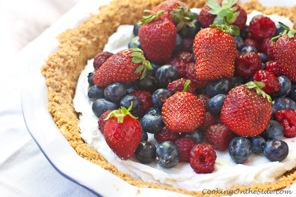Post image for Yogurt Mixed Berry Pie