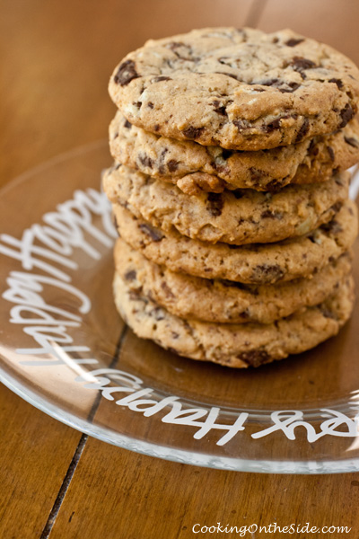Mint Chip Cookies...get the recipe at www.cookingontheside.com #recipe #cookies