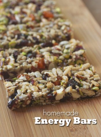Homemade Energy Bars -- easy and tastes better than store-bought. Make a batch for the week!